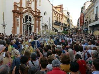 La Virgen Chiquita a su salida de la Parroquia de la Concepción