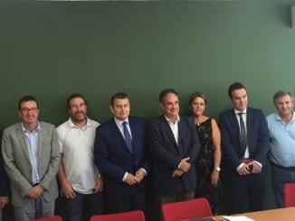 Reunión de Sanz con el presidente de la Confederación Hidrográfica y responsables de la comunidad de regantes