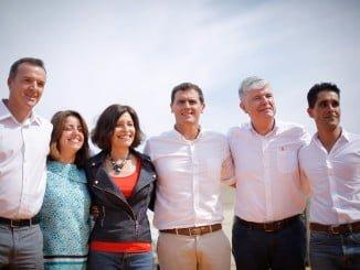 Rivera con los candidatos de Galicia al Parlamento.