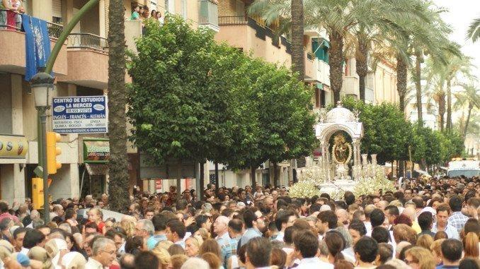 Huelva se ha echado a la calle para acompañar a su Patrona