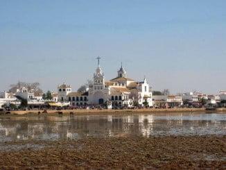 'Al Rocío con Platero' explica la relación entre el Premio Nobel de Literatura y la aldea almonteña