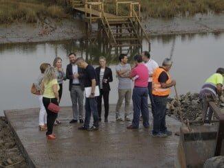 La diputada del Área de Infraestructura y el alcalde de Moguer han visitado las obras