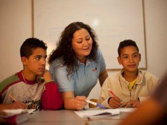 El acuerdo incluye el reconocimiento de la categoría como Auxiliar Técnico Educativo