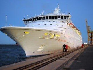 De nuevo hoy atracó en el  Puerto de Huelva el Thomson Majesty