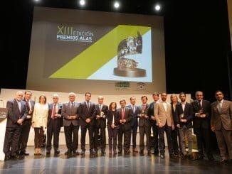 El consejero de Economía y Conocimiento, Antonio Ramírez de Arellano, junto a los ganadores de los XIII Premios Alas