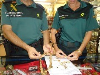 Las joyas recuperadas por valor de más de 1500€ han sido devueltas a su propietario