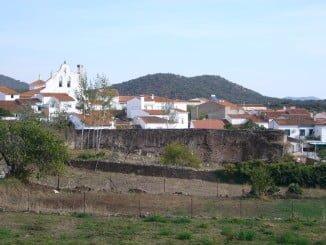 Una ruta de 5 kilómetros para conocer Arroyomilinos de León