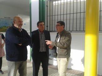 El delegado de Educación y el alcalde de San Bartolomé han visitado el CEIP Naranjo Moreno