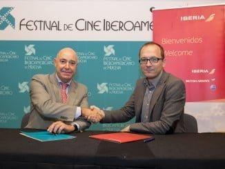 El director del Festival, Manuel H. Martín, y  el Delegado de la compañía Iberia, Ricardo Palazuelos