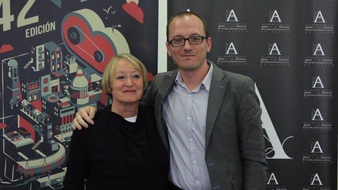 El director del certamen onubense junto a la presidenta de la Academia de las Artes