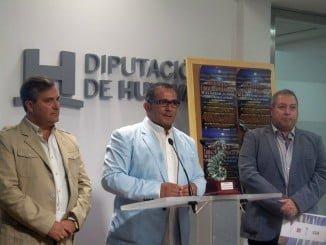 El Presidente del Festival junto al Diputado por la Costa y el técnico de Cultura