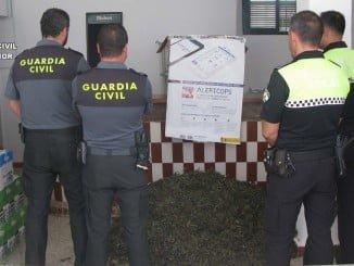 Imagen de la marihuana incautada por la Guardia Civil y la Policía Local de Ayamonte