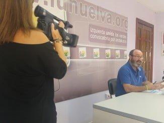 Pedro Jiménez explica en rueda de prensa su intención de ayudar a las Comunidades vecinales a cobrar a los bancos e inmobiliarias  morosas