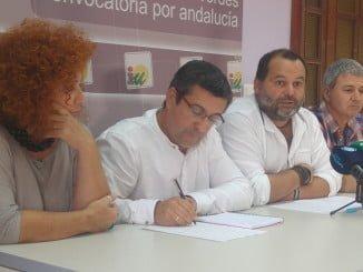 Sánchez Rufo con el grupo municipal de IU en Aljaraque