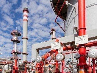 Uno de los sectores que más ha contribuido a la subida de precios industriales es la energía, y ello por la subida del precio del refino