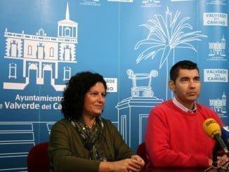 El alcalde en funciones y la delegada de Asuntos Sociales de Valverde del Camino anuncian la apertura de solicitudes de ayuda a domicilio
