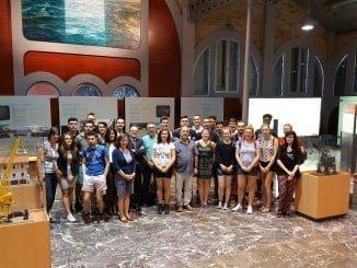 Los estudiantes han sido recibidos por el jefe de Explotación del Puerto de Huelva