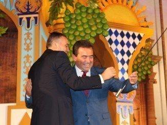 García Féliz junto al presidente de la Red Europea de Ciudades del Vino en la Fiesta de la Vendimia