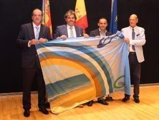 Un premio que se concede a los municipios o entidades supranacionales con playa