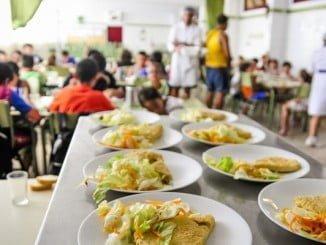 Son muchas las familias con dificultades que acuden a comedores sociales