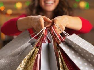 Un 72% de las personas que usan Facebook en España hace sus compras en diciembre