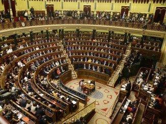 Rajoy, en su discurso de investidura, se dirige a los diputados de la Cámara