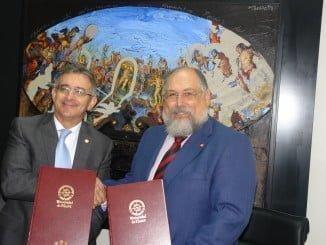 Francisco Ruiz y el Decano del Colegio de Economistas de Huelva, Manuel Ángel Bracho
