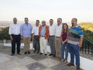 Tras la reunión en el Consistorio, han realizado una visita para conocer in situ proyectos de rehabilitación