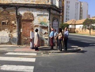 Concejales del PP con representantes de la Asociación de Vecinos de El Rocío