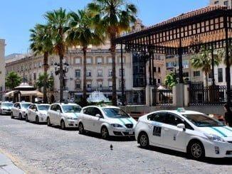 La capital onubense tiene más taxis de lo que la ratio de la Ordenanza Municipal del Taxi de Huelva y la Ley Andaluza permite