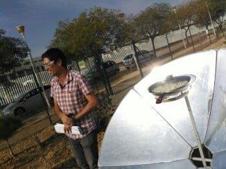 Productos cultivados de forma ecológica y cocinados utilizando energía solar