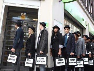 Los destinatarios son personas en paro e inscritas como demandantes de empleo en el SAE