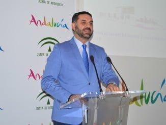 El consejero de Turismo y Deporte, Francisco Javier Fernández, presentó la participación de Andalucía en la próxima edición de la feria World Travel Market (WTM), que se celebra en Londres entre el 7 y el 9 de noviembre