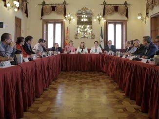 La Presidenta de la Junta de Andalucía,Susana Díaz,se reúne con representantes del sector hortofruticola de la provincia de Almeria