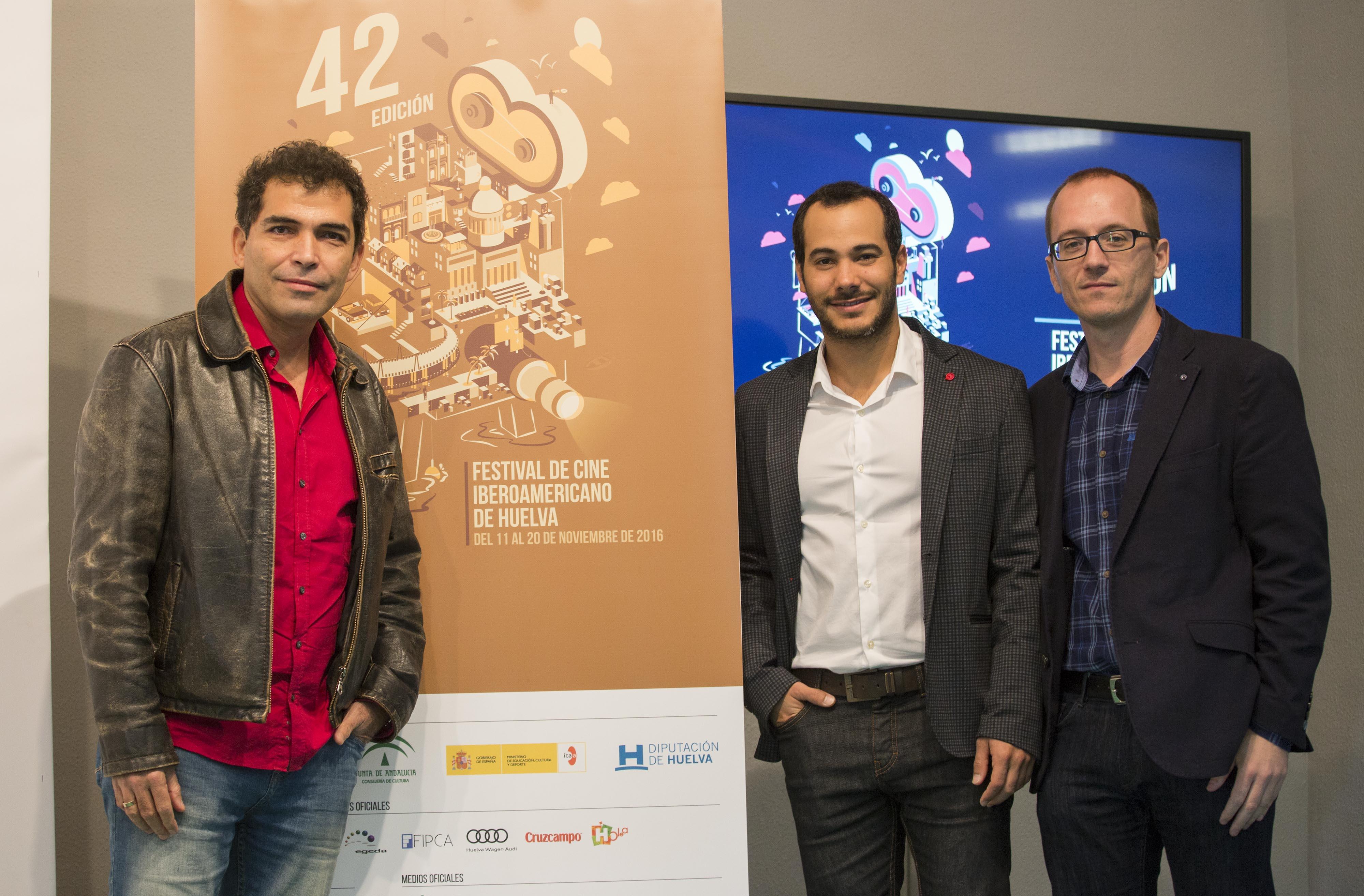 Manuel H. Martín, director del Festival, y los actores Vladimir Cruz y Carlos Enrique Almirante.