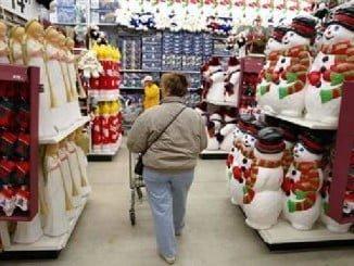 Consumo recomienda planificar las compras con tiempo y comparar calidad y precio