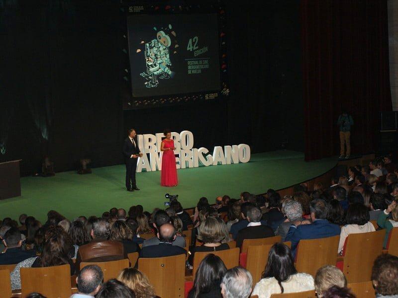 La gala fue conducida por la actriz Laura de la Uz y el periodista Juan Carlos Roldán