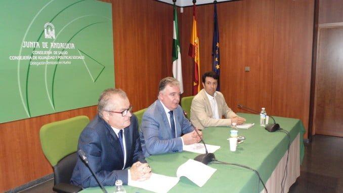El delegado del Gobierno andaluz en Huelva, en compañía del delegado territorial