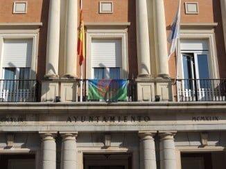 La bandera gitana fue establecida en 1971 en Londres, en la celebración del Primer Congreso Gitano