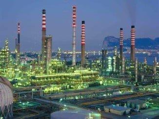 Entre los sectores industriales con repercusión mensual positiva en el índice general destaca la Energía, debido al aumento de los precios del Refino de petróleo