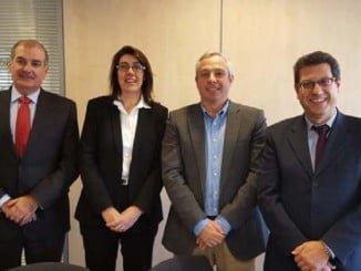 De izquierda a derecha, Alberto Olivares, gerente de AgroBank, Carme Sabrí, directora de AgroBank, Marino Medina, presidente de Provacuno, Javier López, director general de Provacuno