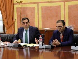 Rafael Amor, duraate su comparecencia en el Parlamento