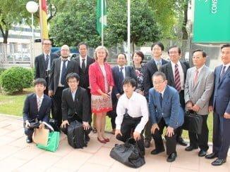 La delegación nipona, durante su visita a distintos centros de sanidad andaluza