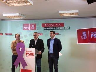 Antonio García actuando como portavoz de todos los alcaldes socialistas del entorno de Doñana