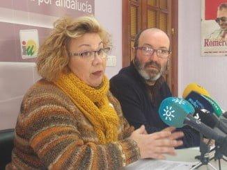 La concejala Mónica Rossi junto a Pedro Jiménez