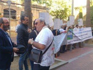 Pedro Jimenez interviene en una concentración de Emigrantes Retornados de Huelva