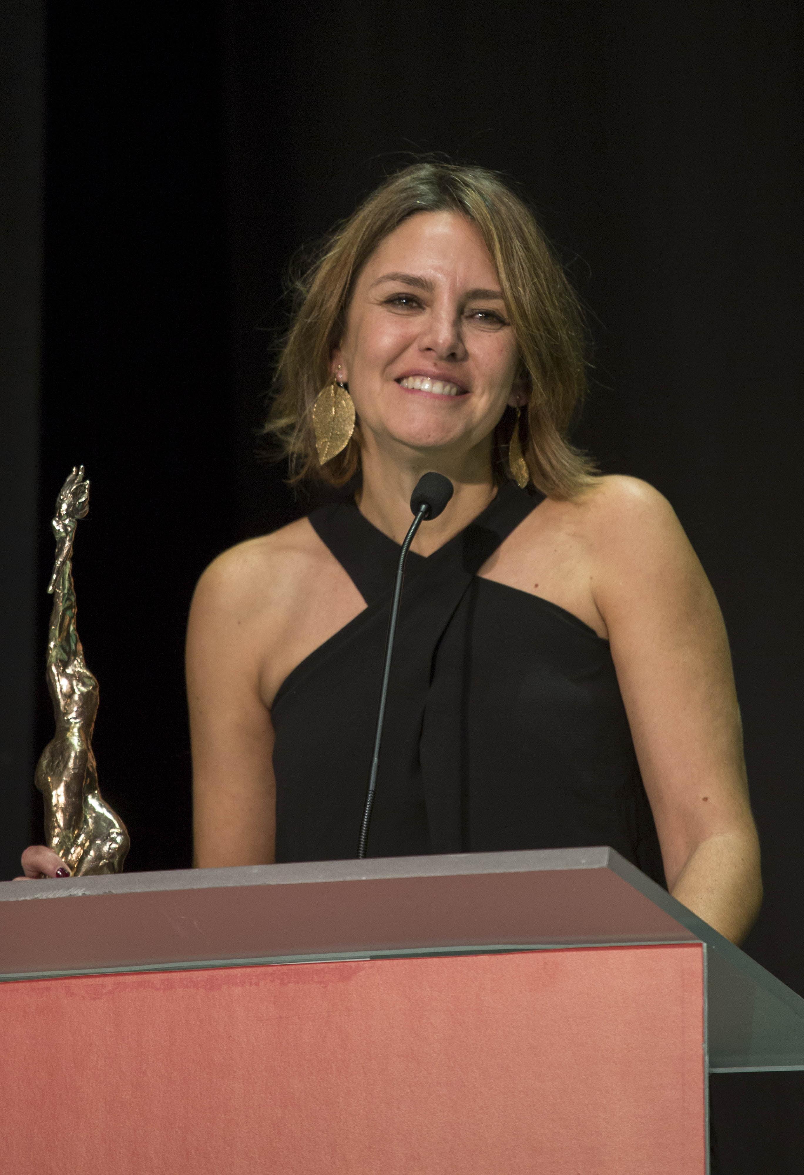 Manuela Ocón tras recibir el Premio Luz