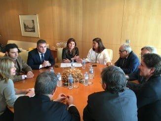 Rosalía Espinosa se ha reunido con representantes de los colegios de abogados y de procuradores de Huelva
