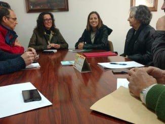 La delegada de Fomento y Vivienda y la alcaldesa firman la cesión de los terrenos ocupados