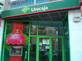 El ciclo supone una prestación añadida a los servicios que Unicaja Banco ofrece a sus clientes
